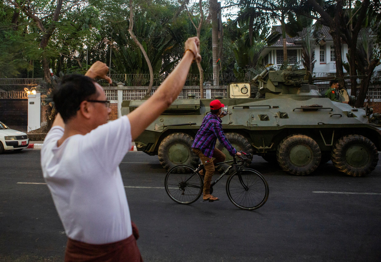 2021-02-14T131315Z_295312436_RC2DSL9URI20_RTRMADP_3_MYANMAR-POLITICS