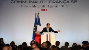 الرئيس الفرنسي ايمانويل ماكرون يلقي خطابا في تونس