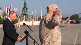 الرئيس الروسي فلاديمير بوتين في قاعدة عسكرية روسية في سوريا