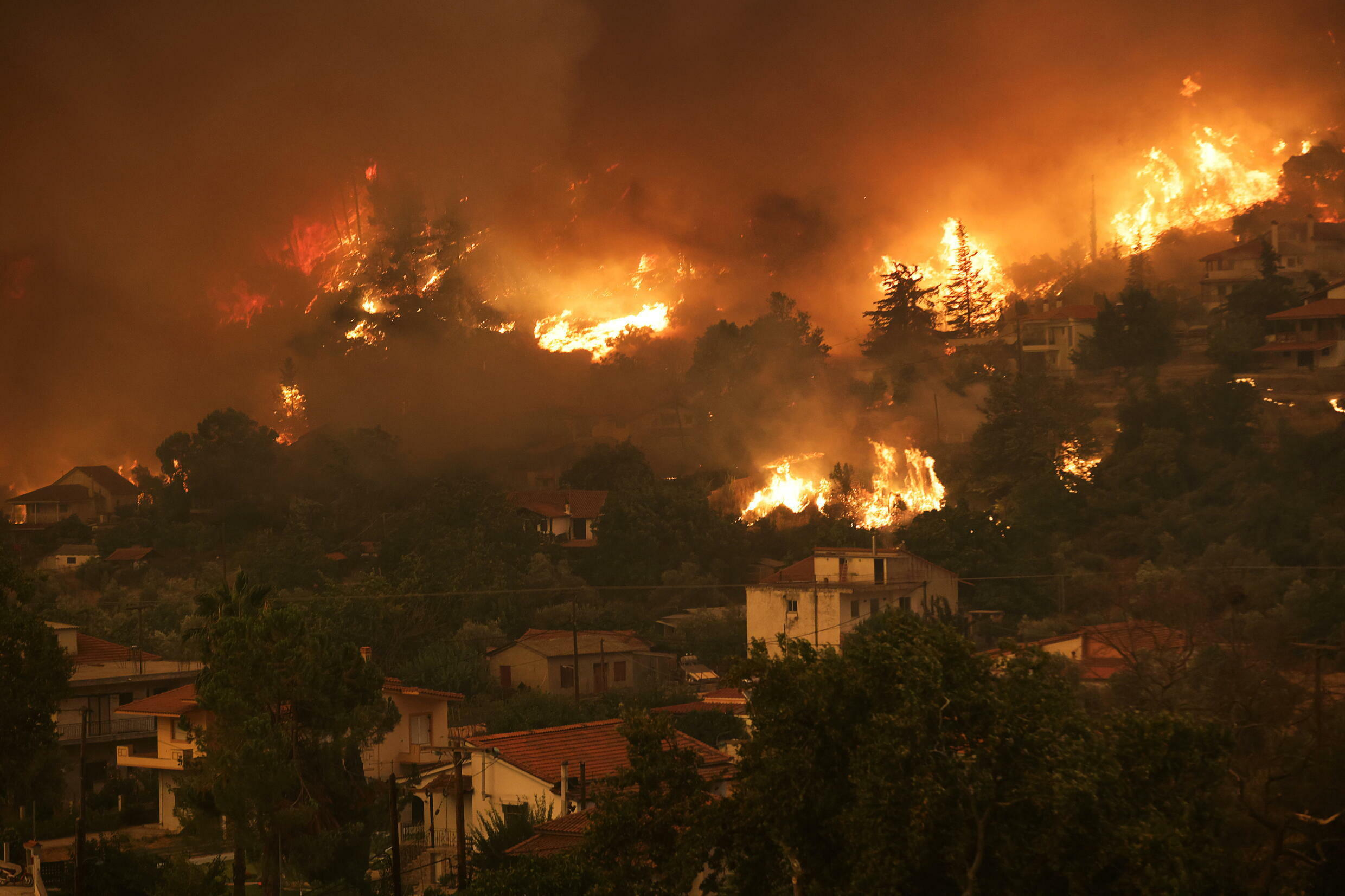 2021-08-08T144251Z_1128458525_RC211P9Q7UKW_RTRMADP_3_GREECE-WILDFIRES