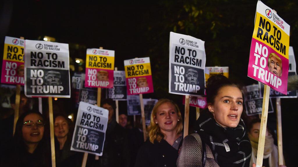 احتجاجات ضد سياسة الرئيس الأمريكي المنتخب ترامب في لندن