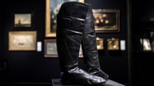 حذاء نابوليون بونبارت في المزاد العلني-
