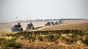 دبابات تركية متوجهة إلى منطقة جرابلس في سوريا ( 25 أغسطس 2016)