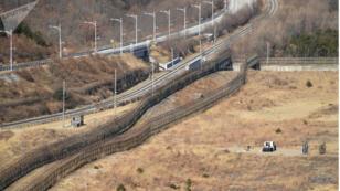 المنطقة المنزوعة السلاح التي تفصل بين الكوريتين
