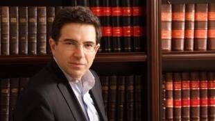الكاتب اللبناني ألكسندر نجار