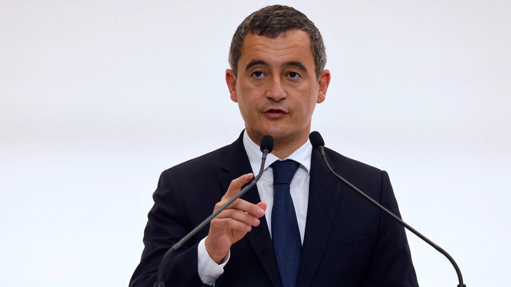 وزير الداخلية الفرنسي جيرار دارمانان في باريس
