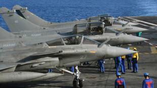 """مقاتلات """"رافال"""" تابعة للبحرية الفرنسية"""