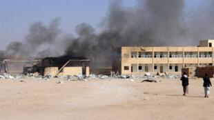 ارتفاع الدخان من موقع عسكري بعد استهدافه بغارة جوية شمال غرب صعدة باليمن
