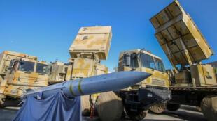 منظومة صواريخ إيرانية في العاصمة طهران
