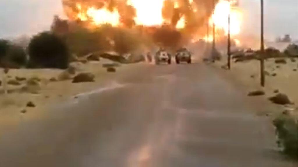 تفجير إحدى السيارات المفخخه في الشيخ زويد - شمال سيناء