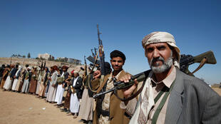 تجمع لإحدى القبائل الموالية للحوثيين ولحكومتهم الجديدة في صنعاء 06-12-2016