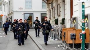 قوات الأمن النمساوية في فيينا يوم 4 نوفمبر 2020