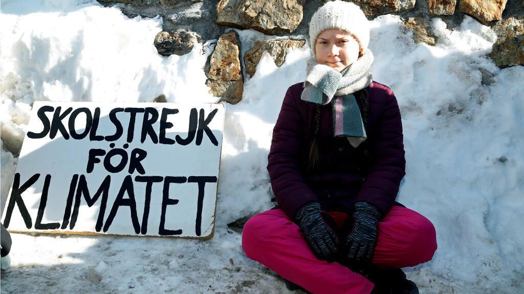غريتا ثونبرغ تجلس احتجاجا في مؤتمر دافوس، سويسرا 25-01-2019