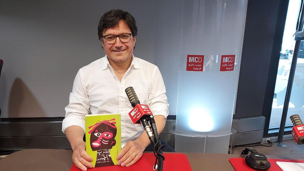 الكاتب عماد مصطفى