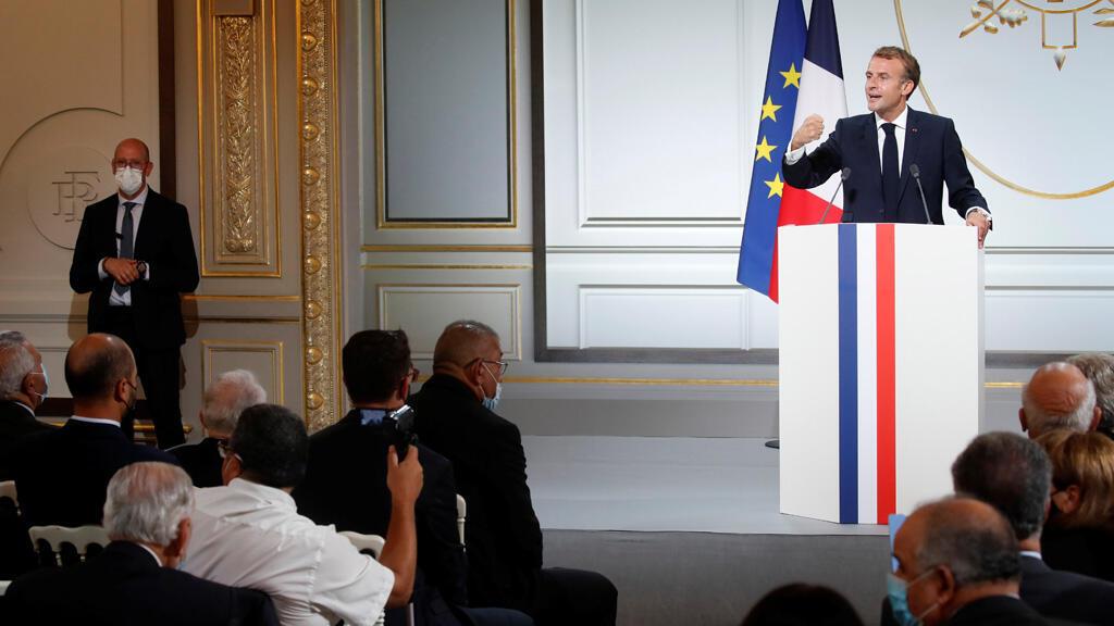 الرئيس الفرنسي إيمانويل ماكرون في الإليزيه