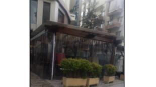 مقهى مغلق في لبنان بسبب انتشار فيروس كورونا