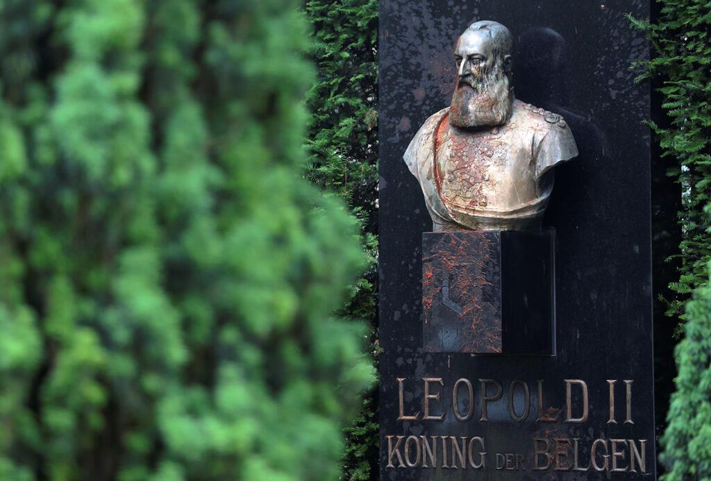 تمثال لملك ليوبولد الثاني تم تشويهه في مدينة غنت البلجيكية