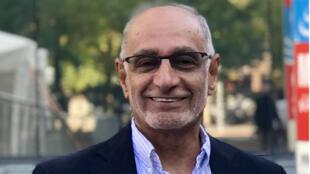 الأكاديمي الإماراتي عبد الخالق عبد الله