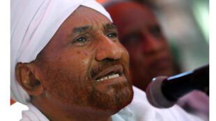/ الصادق المهدي زعيم حزب الأمة السوداني المعارض