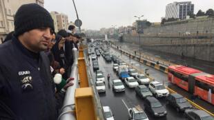 اعتصام بالسيارات في طهران