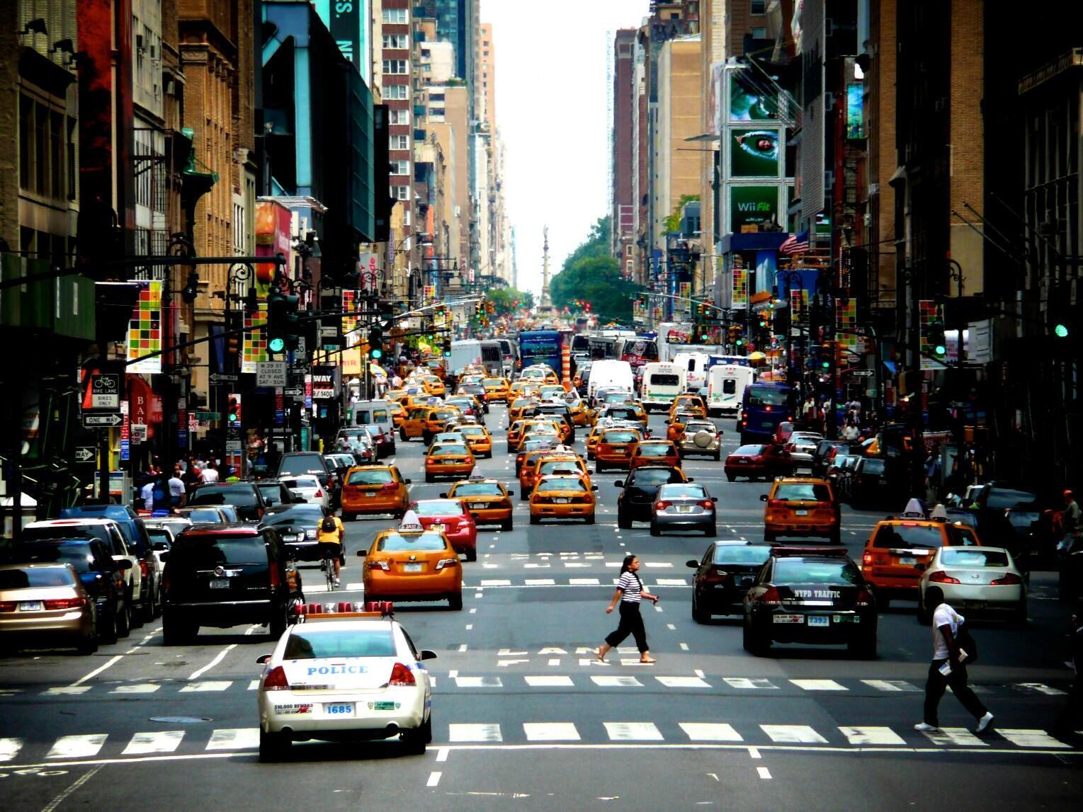 في أحد شوارع مدينة نيويورك، الولايات المتحدة