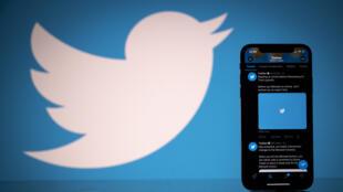 تعليق تويتر لحساب الرئيس الأمريكي دونالد ترامب