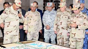 الرئيس المصري عبد الفتاح السيسي يزور غرفة العمليات