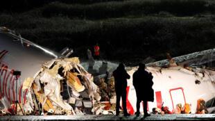 الطائرة التي انقسمت إلى شطرين في مطار إسطنبول يوم 5 فبراير/ شباط 2020