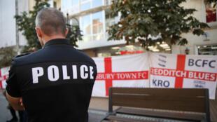 أحد رجال الأمن-