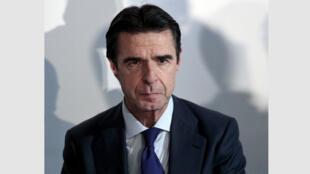 """""""خوسيه  مانويل سوريا"""" وزير الصناعة الإسباني"""