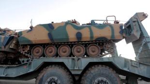 دبابات تركية تنقل إلى إدلب في سوريا