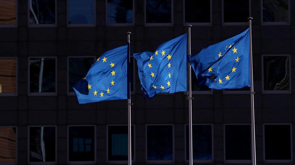 european_union_flag_outside_european_commission_brussels