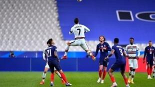 """مشهد من مباراة فرنسا والبرتغال يوم 12 أكتوبر 2020 بــ""""استاد دو فرانس"""""""