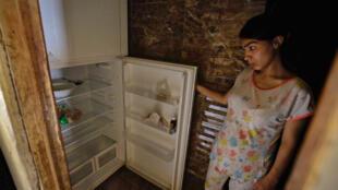 lebanon_tripoli_empty_refrigerator