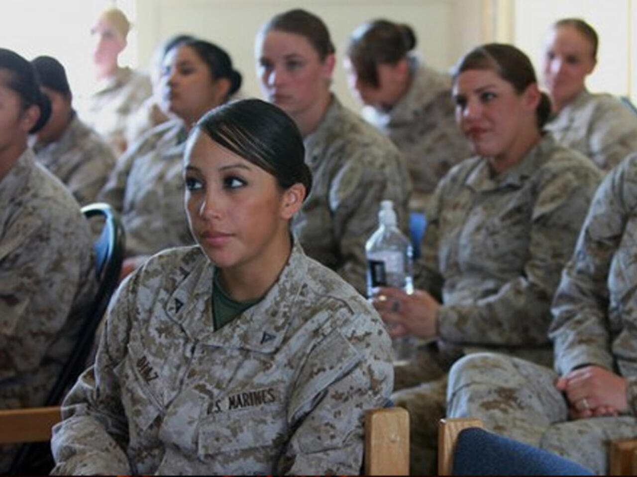 الجيش الأمريكي سيرقي 22 امرأة إلى رتبة ضابط لأول مرة في تاريخه