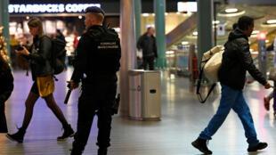 رجل شرطة في هولندا-