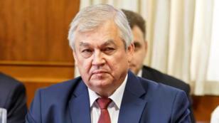 المبعوث الروسي الخاص إلى سوريا ألكسندر لافرينتييف خلال اجتماع في جنيف يوم الثلاثاء