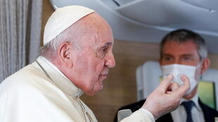 POPE-IRAQ-NEWS-CONFERENCE