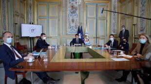 الرئيس الفرنسي إيمانويل ماكرون يترأس اجتماعا عبر الفيديو مع قادة الدول الإفريقية خلال القمة الإفريقية حول الأمن في دول الساحل (16 فبراير 2021)