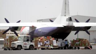 طائرة تحمل مساعدات طبية