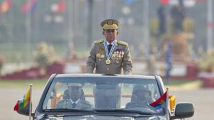 مين أونج هلاينغ قائد الانقلاب العسكري في بورما
