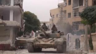 عناصر من الجيش السوري في الغوطة الشرقية