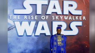 """جون بويجا أحد ممثلي فيلم """"حرب النجوم: صعود سكايووكر"""" (ستار وورز: ذا رايس أوف سكايووكر) أثناء العرض الأول للفيلم في لندن ببريطانيا"""
