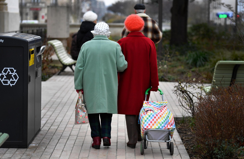 مسنون في فرنسا