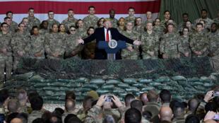 دونالد ترامب يلقي كلمة أمام الجنود الأمريكيين خلال زيارة مفاجئة إلى أفغانستان يوم 28 نوفمبر 2019