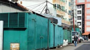 مولدات كهرباء خاصة في أحد شوارع العاصمة اللبنانية بيروت