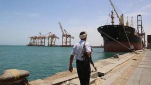 ميناء الحديدة في اليمن