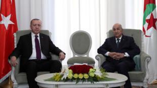 الرئيس الجزائري في استضافة لنظيره التركي -