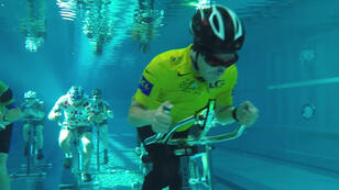 صورة من سباق الدراجات المصور تحت الماء