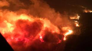 صورة جوية للحريق الهائل الذي اجتاح كاليفورنيا